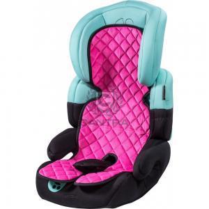 Pinker Kindersitzbezug auf einem Kindersitz