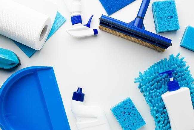 Autoreinigung für Zuhause mit Hausmitteln - folgende Utensilien benötigen Sie für einen sauberen Fahrzeuginnenraum