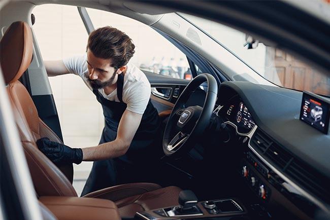 6 Tipps zur perfekten Auto-Innenraum Reinigung