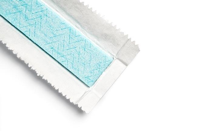 Kaugummiflecken aus Sitzpolstern mit Eisspray / Vereisungsspray entfernen